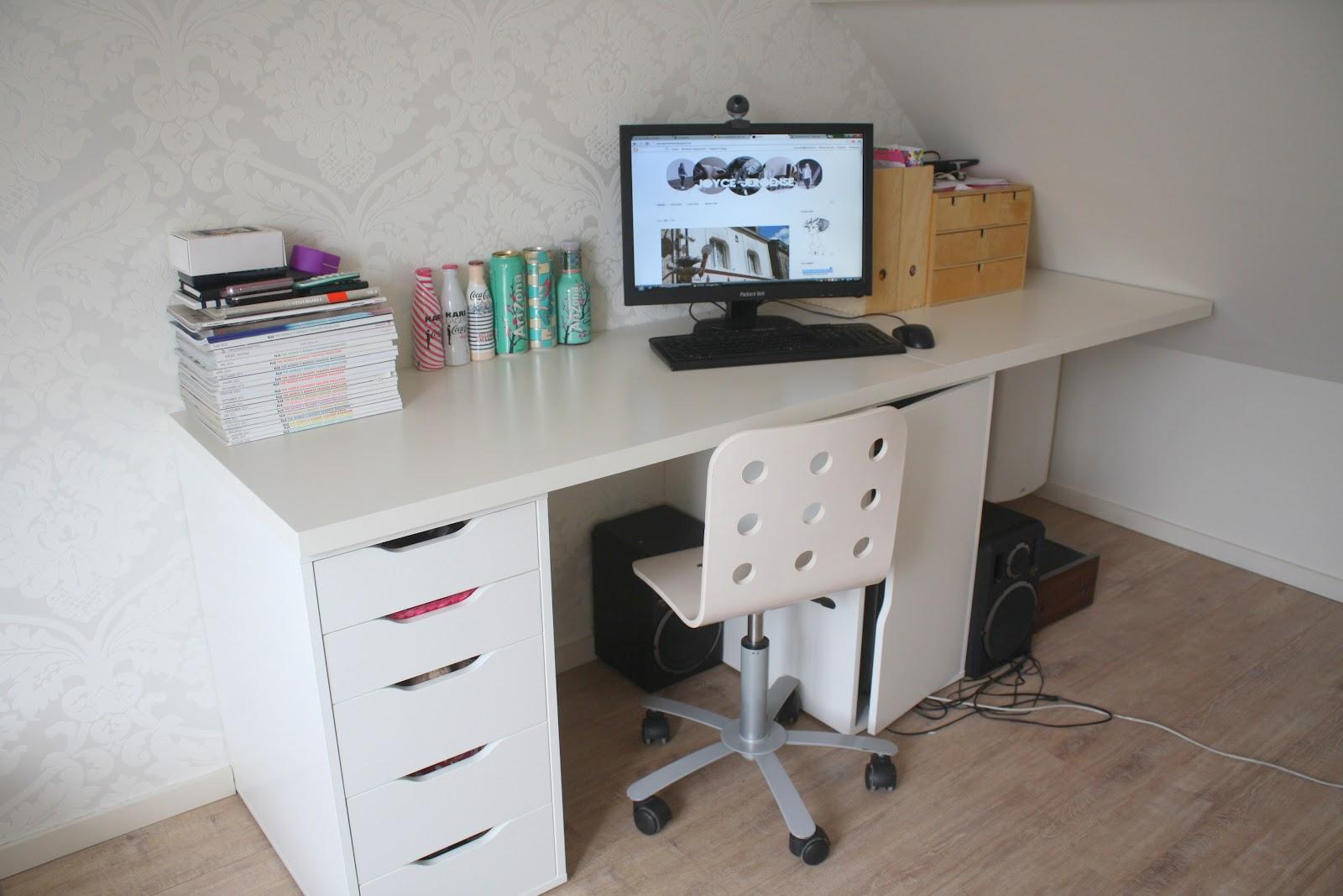Joyce jeroense augustus 2012 for Ladeblok voor op bureau