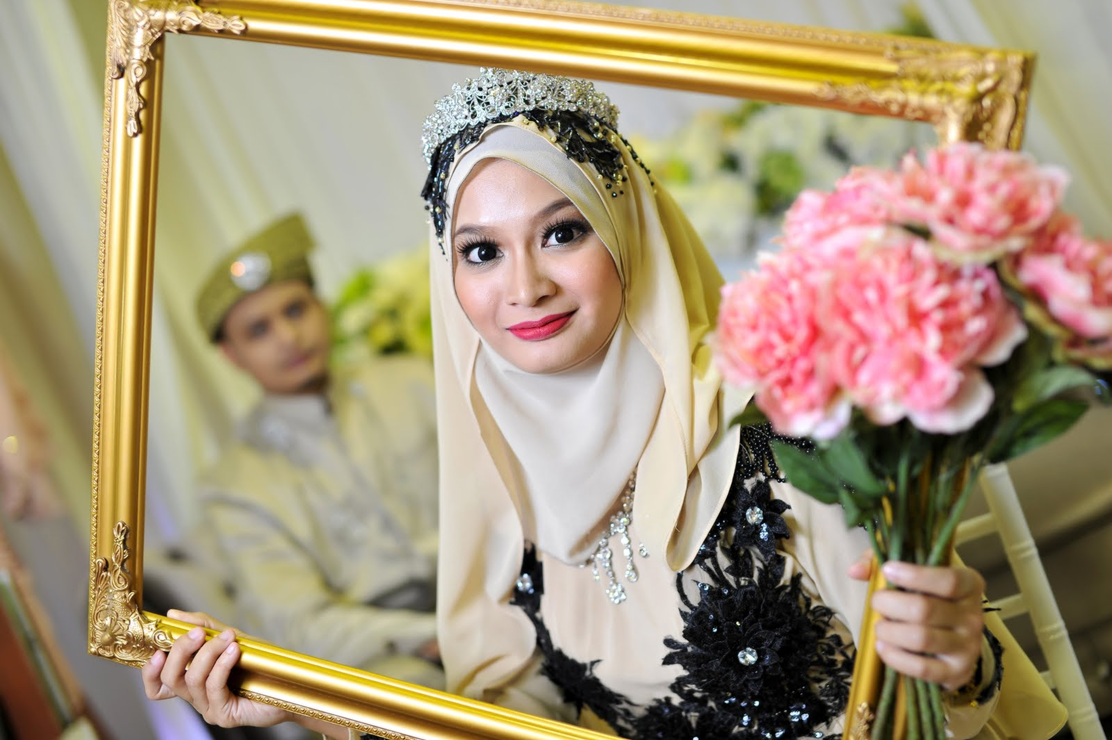 malay wedding portrait
