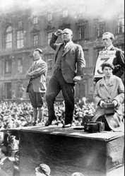 ALEMANIA: CAMARADA TELMAN, LUCHADOR EJEMPLAR CONTRA EL NAZISMO