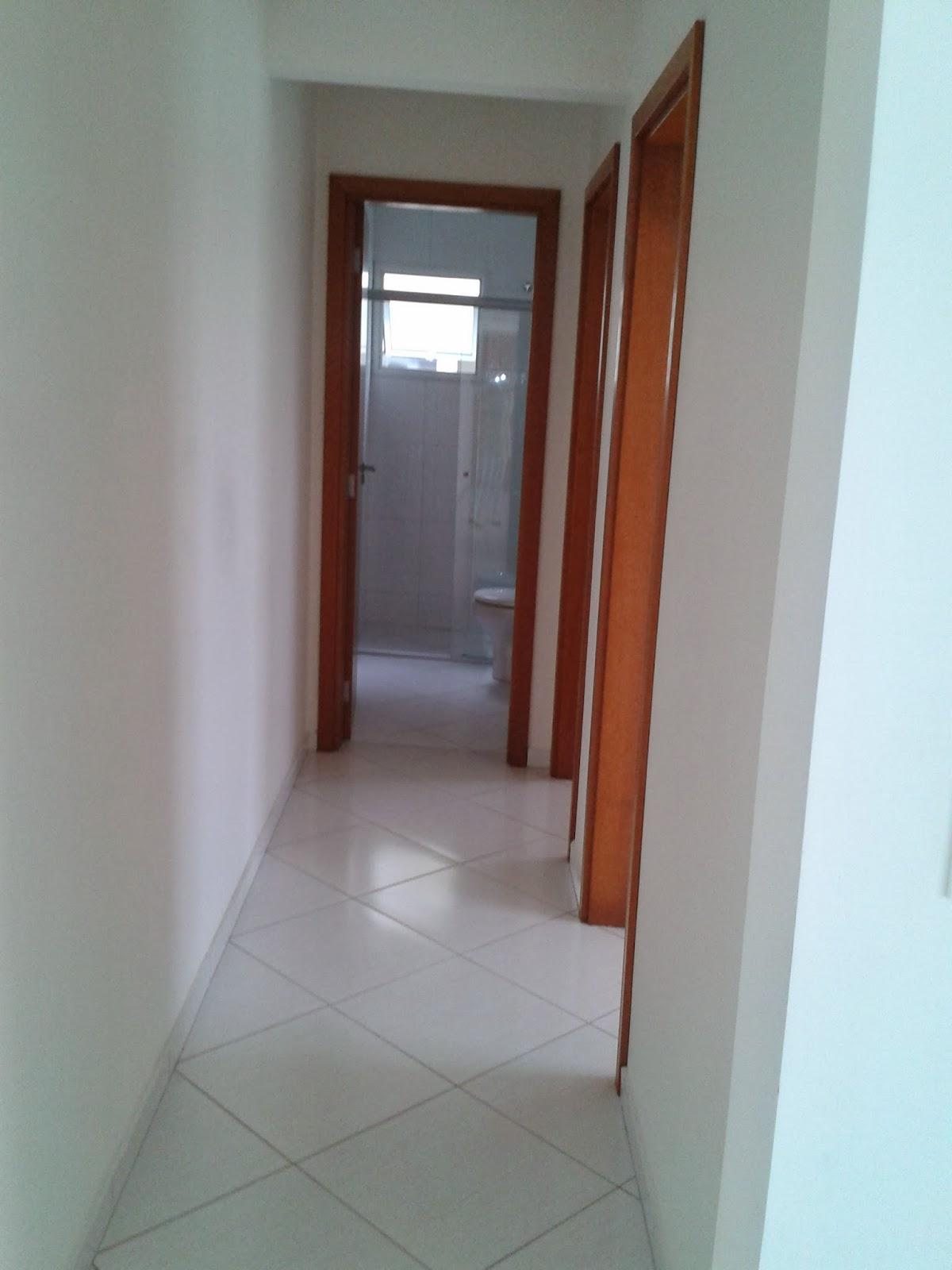 Imagens de #703C2A As portas internas lisas e também são da Pormade e possuem sistema  1200x1600 px 2728 Box Banheiro Ponta Grossa