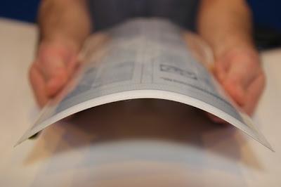 Plastic Logic tablet flexível como uma folha de papel