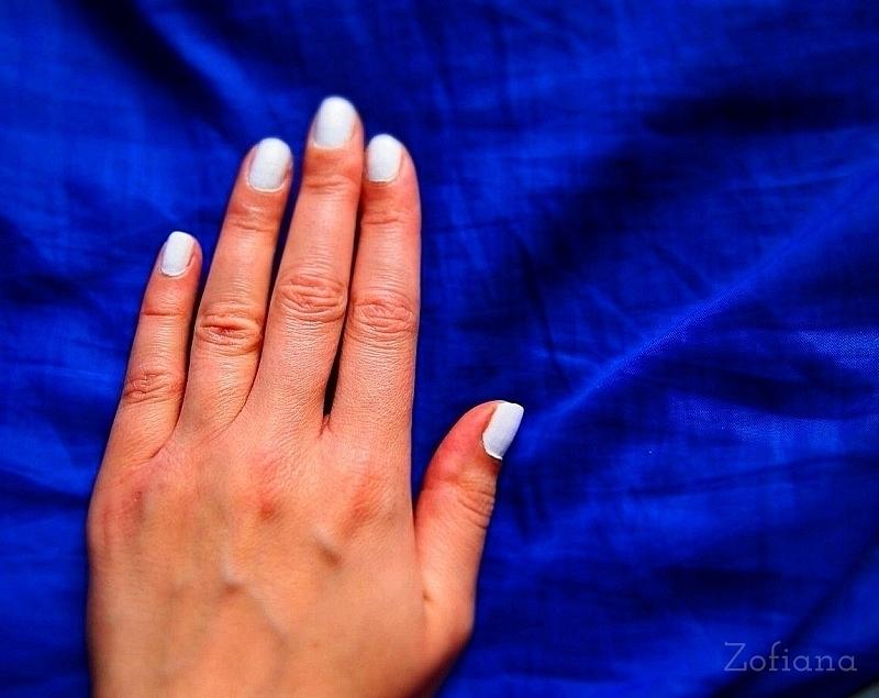 white nail polish, biały lakier do paznokci