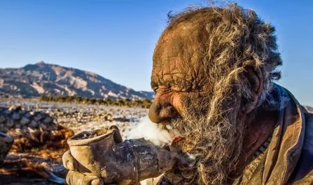 artikel2populer.blogspot.com - Gila! Selama 60 Tahun Orang Ini Tak Pernah Mandi