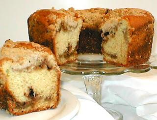 Apple-Cinnamon Bundt Cake