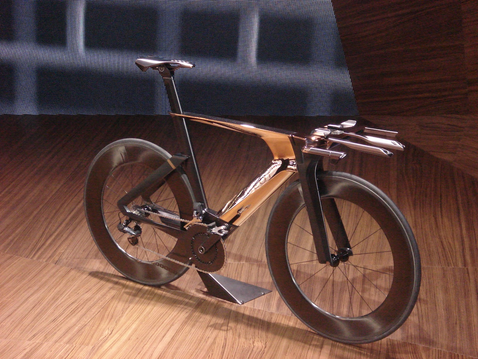 cycling&design: peugeot onyx superbike at paris show