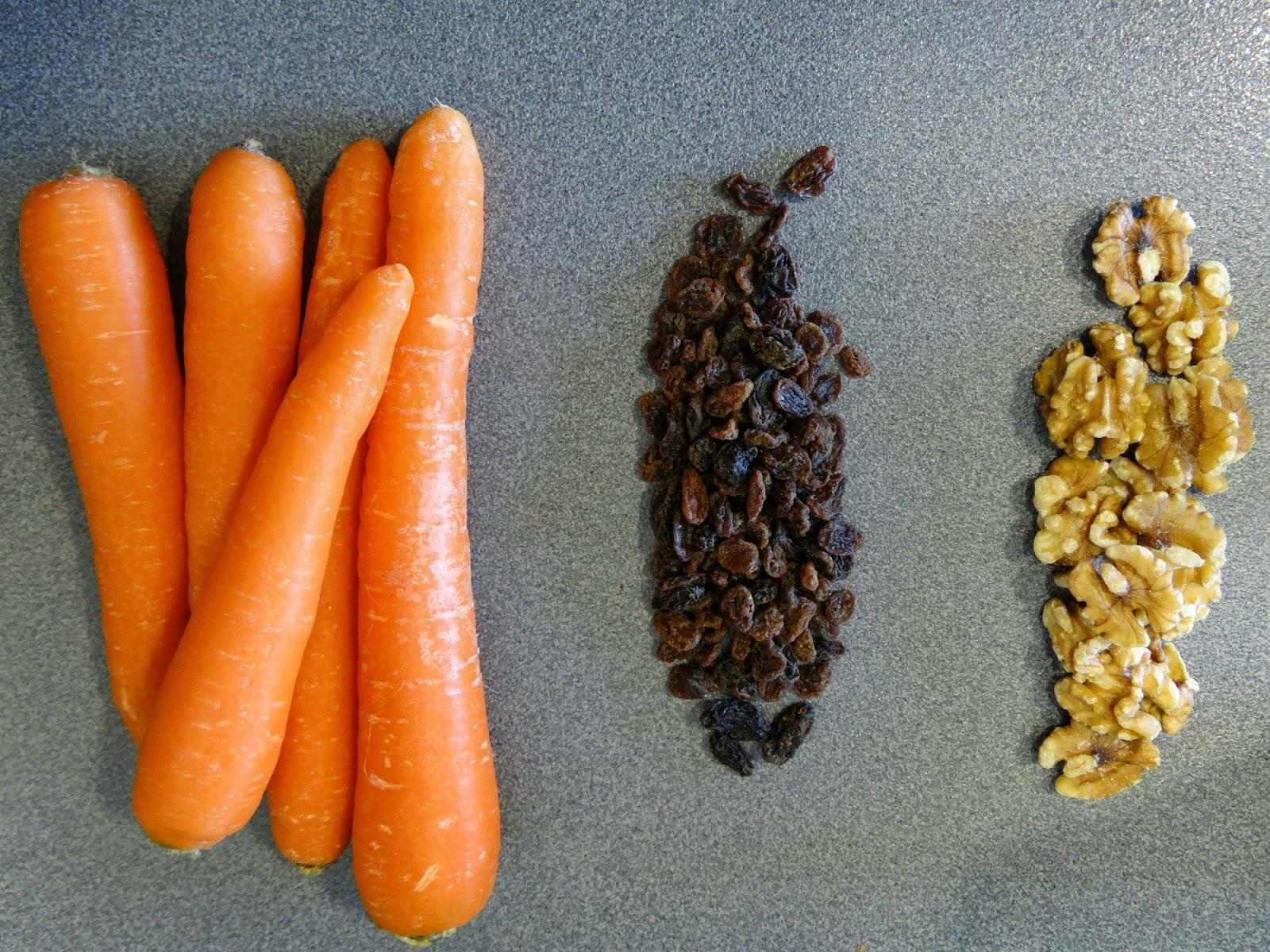 Bizcocho de zanahorias, pasas y nueces