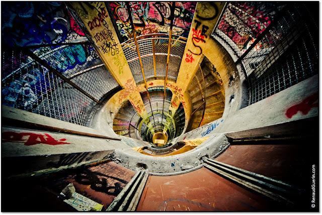 Les Frigos de Paris SNCF artistes graffitis tags cage d'escaliers