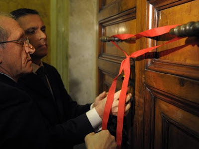 Sealing Sistine Chapel Conclave