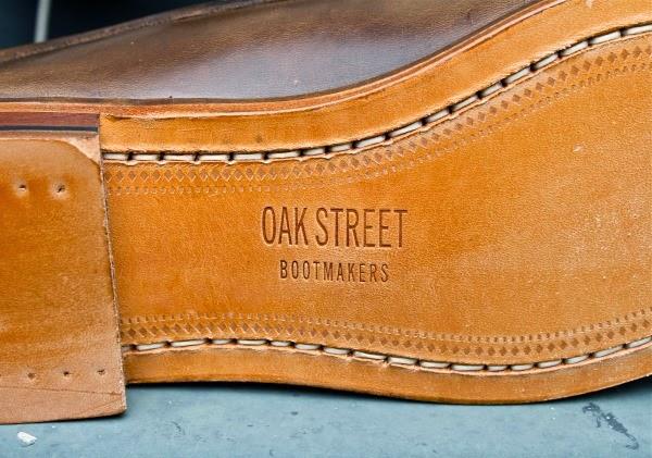 Vết hằn của máy khâu ở dưới đế giày của phương pháp Blake Stitch