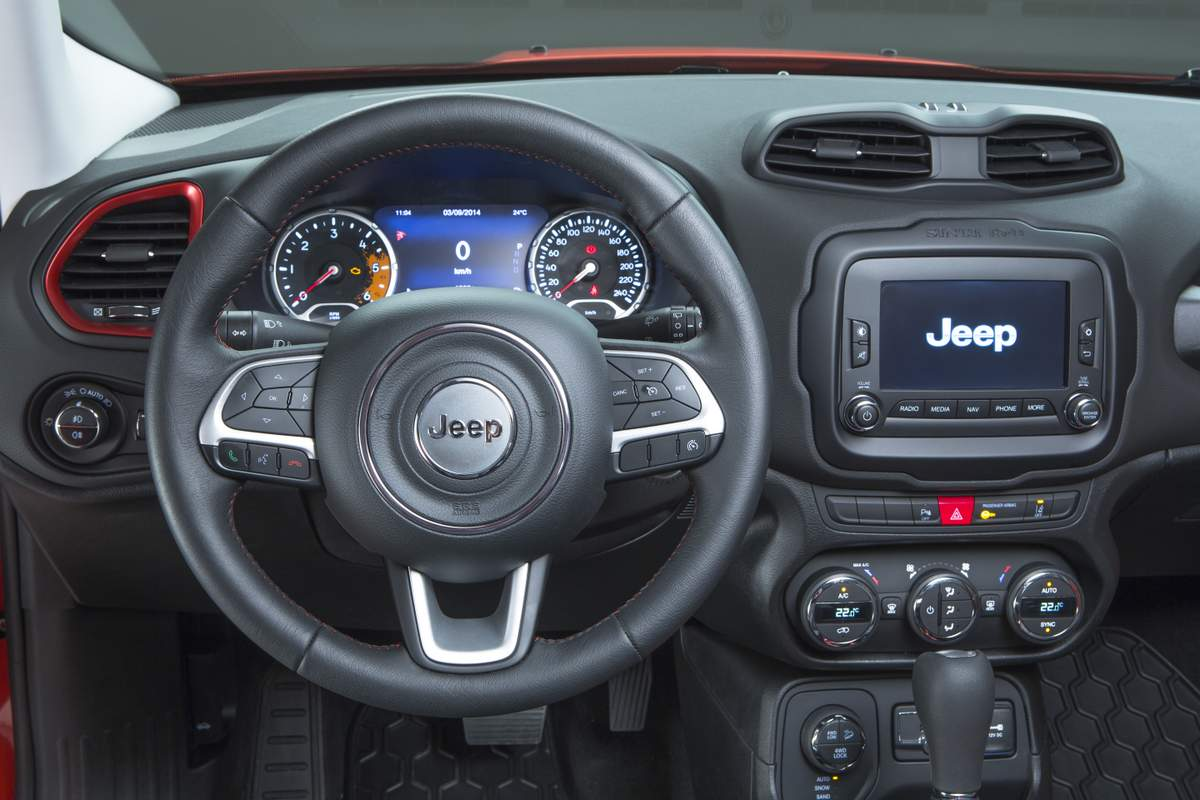 jeep renegade fiat quer a lideran a do segmento de suv car blog br. Black Bedroom Furniture Sets. Home Design Ideas