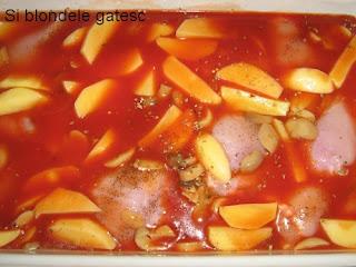 pulpe cu cartofi si ciuperci in sos de rosii