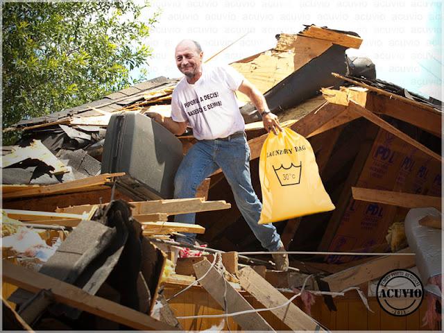 Traian Basescu funny photo Adio PDL