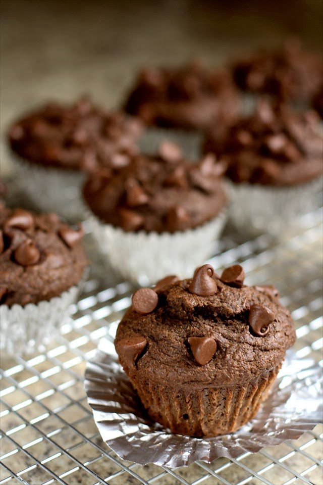 UNDER 200 CALORIE DOUBLE FUDGE MUFFINS: Butter With A Side of Bread