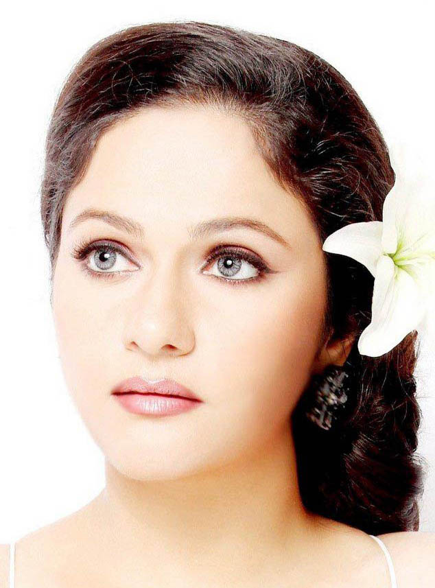 More Hot Pictures From Nude Gracy Singh Fakes Images Celebritypi