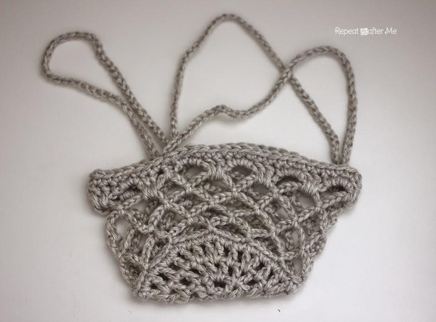 Crochet Hanging Flower Basket Pattern : Repeat Crafter Me: Crochet Flower Pot Hanging Basket