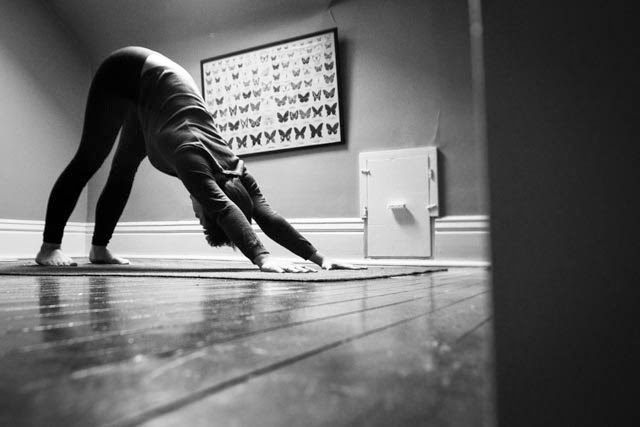 sarah carson, home practice, yoga at home, 5 benefits of a home practice, prairie yogi, why practice yoga at home