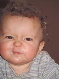 Kind rümpft die Nase