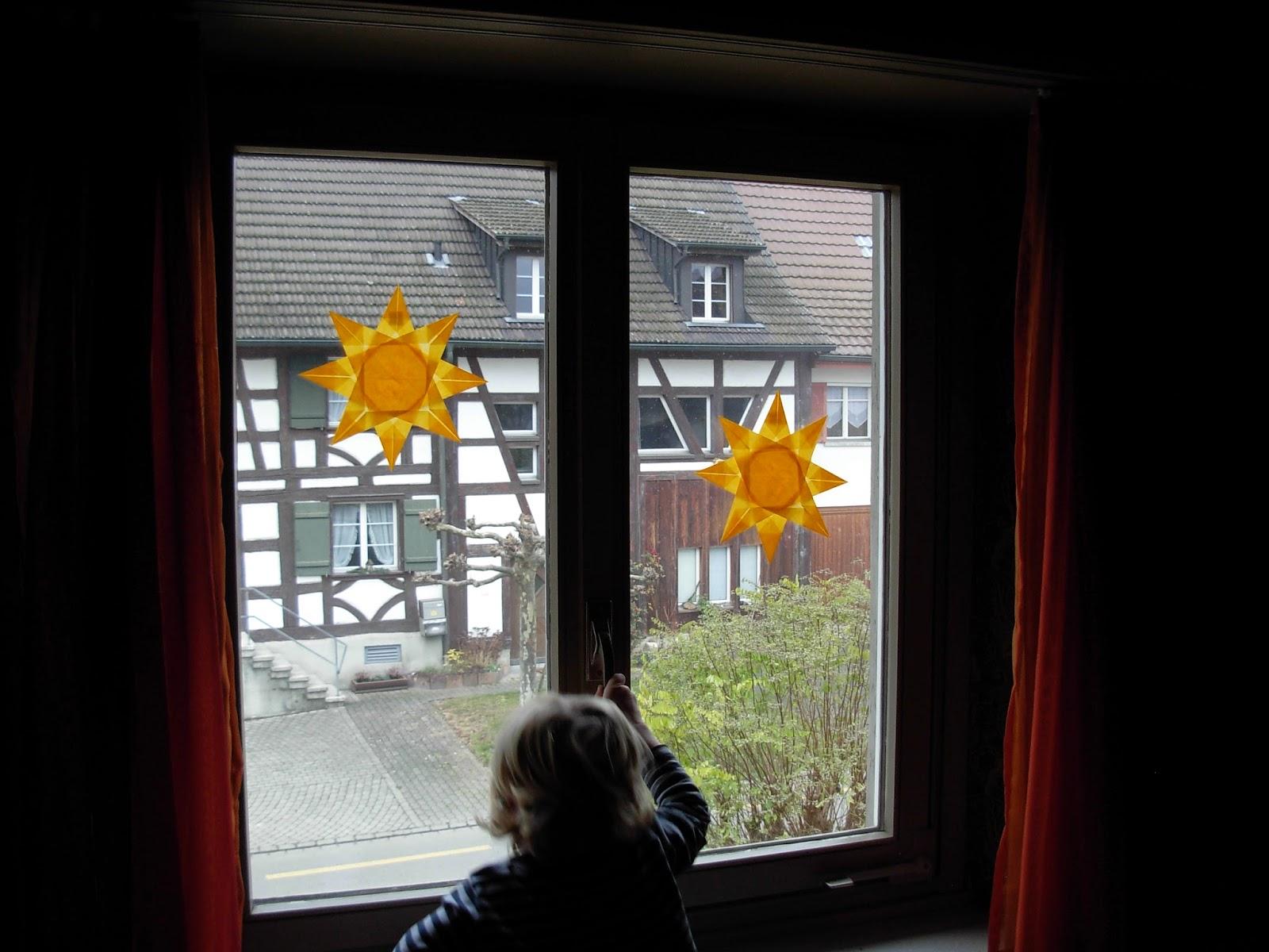 Kindergarten Kinder falten Fenstersterne