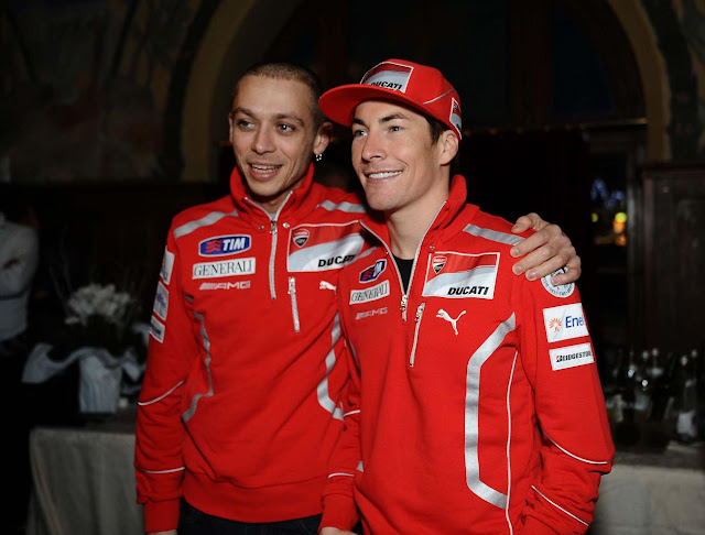 Valentino-Rossi-Nicky-Hayden-2011