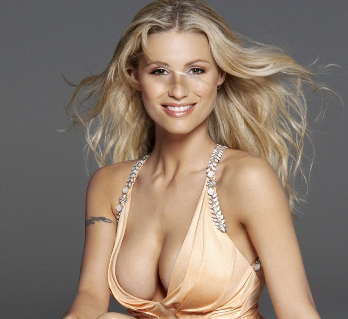 Michelle hunziker ist raus aus wetten dass hot - Diva futura channel videos ...