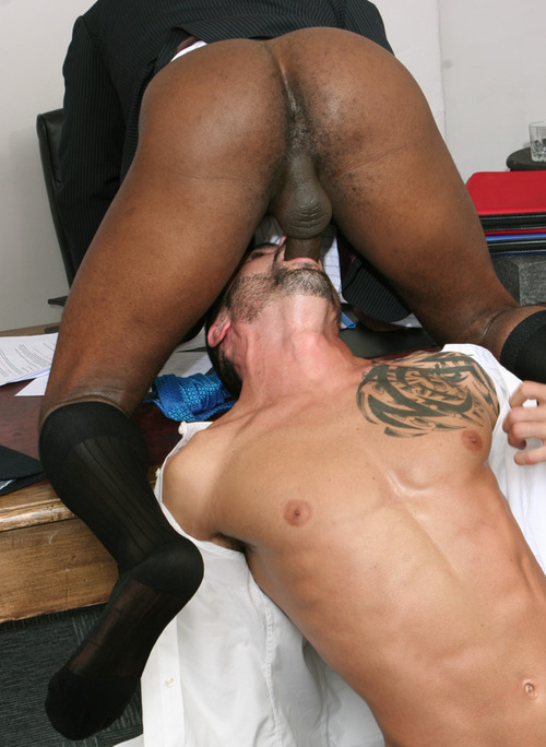 A white guy addicted to sucking black cock - GIVEMEGAYPORN