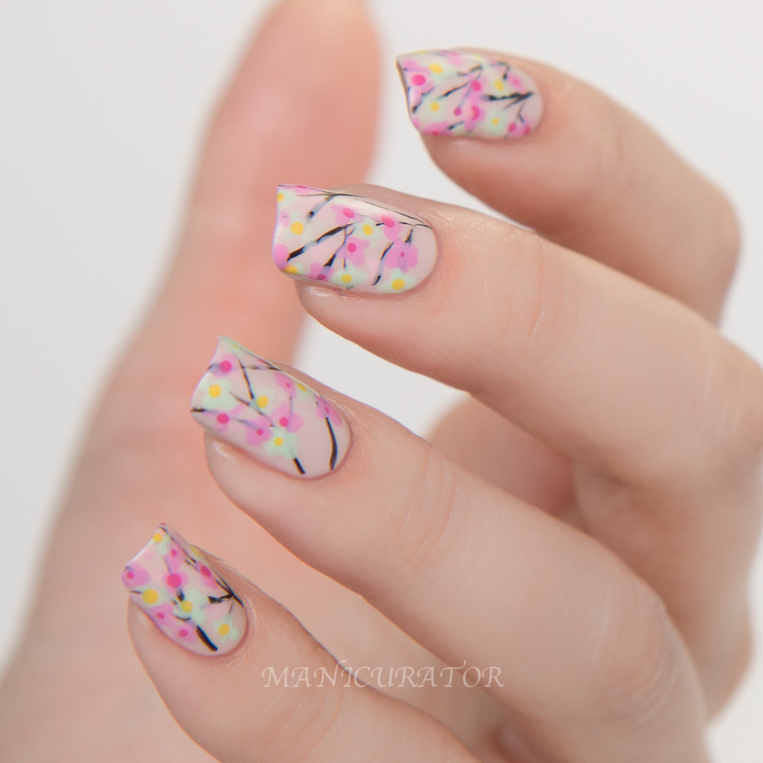 Nail-Art-Fashion-Week-2015-DIOR