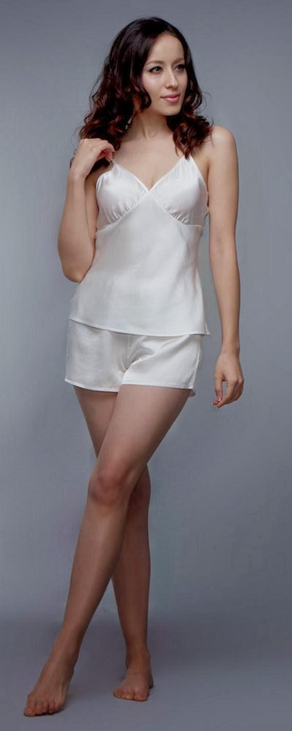 Silk+Short+Night+Wear+Nighty+Dress+For+Girls+Fashion+In+Bed010