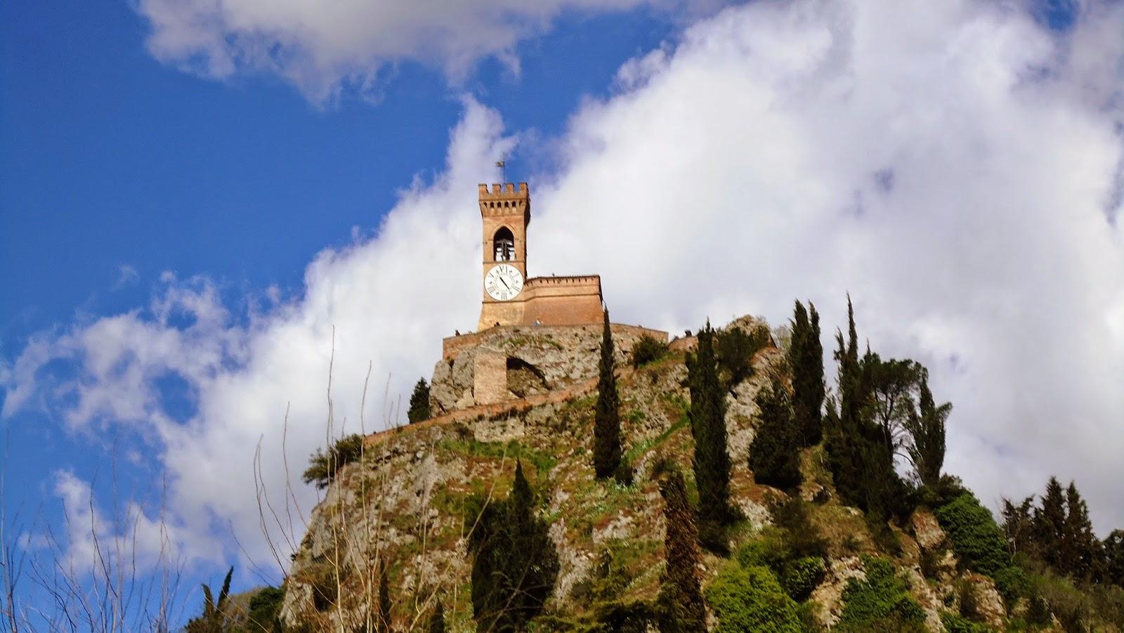 Brisighella, Torre dell'Orologio - Foto di Monica Gatti La gatita sotto le due torri blog