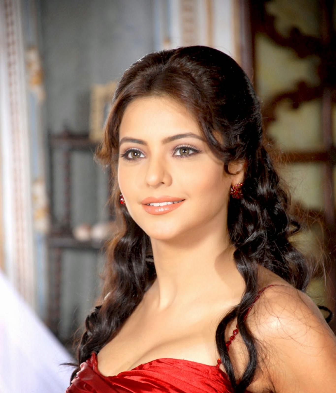Aamna Sharif Nude Photos 46