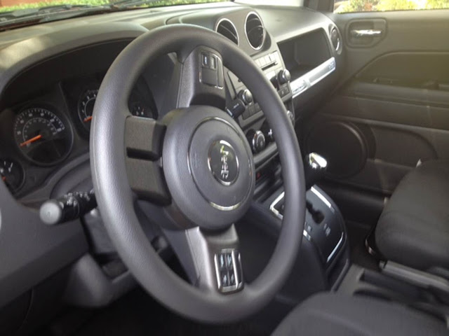 Jeep Compass 2015 2.4 16 4x4 - interior