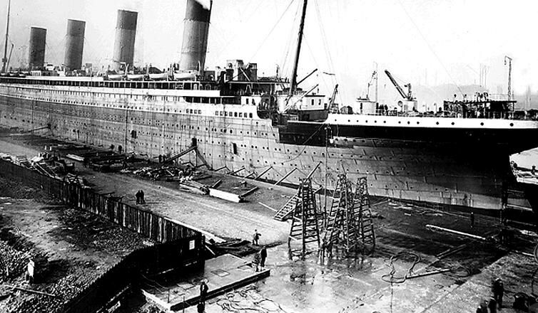 Documentary Photographs of Titanic: Titanic in the Thompson Graving Dock