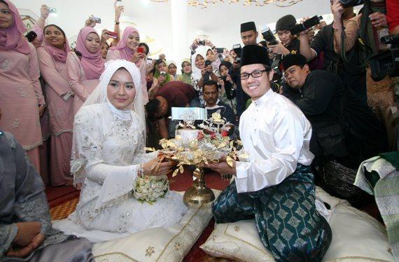 Gambar Majlis Akad Nikah Ally Iskandar dan Nurfarahin