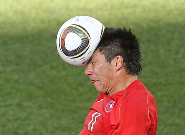 ¡El exceso de fútbol es nocivo para la Salud!