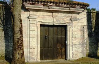 Llanes, Celorio, monasterio de San Salvador, portada