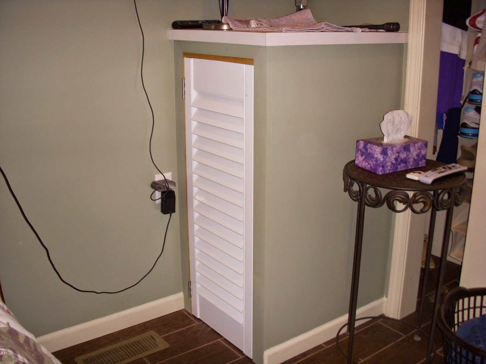 Drum roll!! Now introducing the prosthetic leg charging cabinet!!