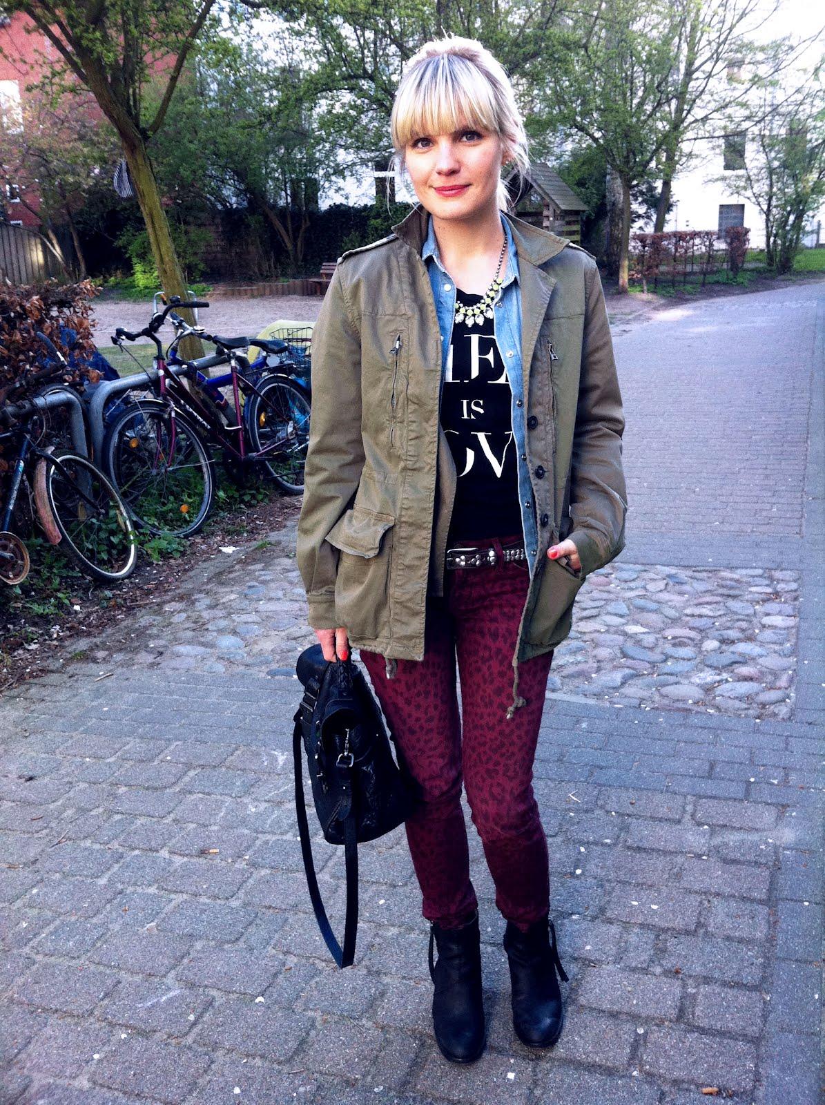 http://4.bp.blogspot.com/-8t7PA9lOqC8/T4yLOV3QftI/AAAAAAAACDE/2bkXyIWVWFo/s1600/Zara_utility_jacket.jpg