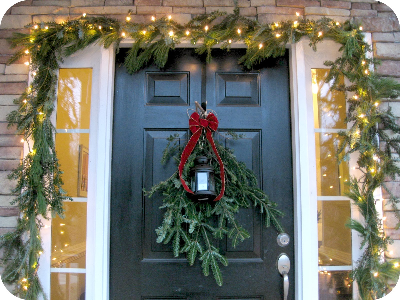 how to make christmas garland - Modern Christmas Front Door Decorations