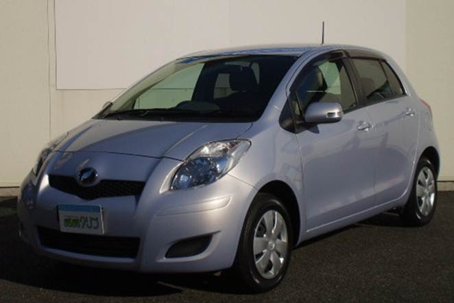 TOYOTA VITZ 2008 JAN AUCTION GRADE 4.5