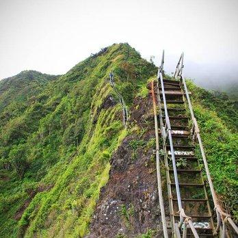 บันไดทางเดินบนยอดเขา Kaneohe, Hawaii Stairs