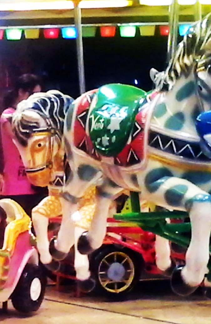caballos en un carrusel