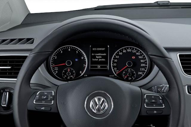 carro CrossFox 2014 Volkswagen - interior - por dentro - painel de instrumentos