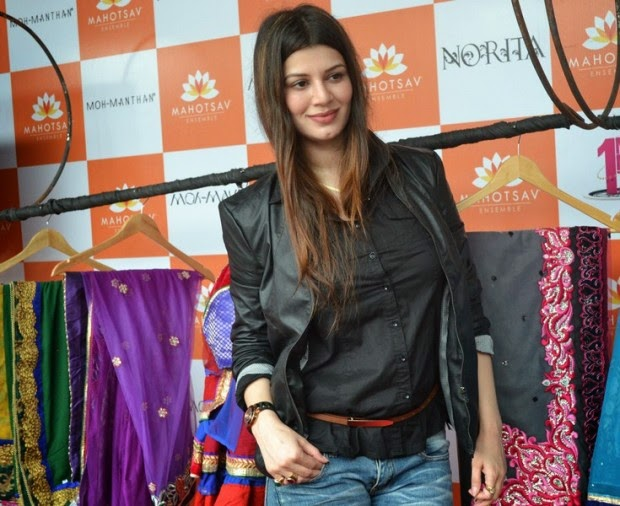 Kainaat Arora at the Umang college Festive 2014 at the launch