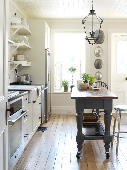 no matter the reason when i first saw margot austins farmhouse kitchen in the september 2007 issue of style at home i fell in love with her island - Farmhouse Kitchen Island