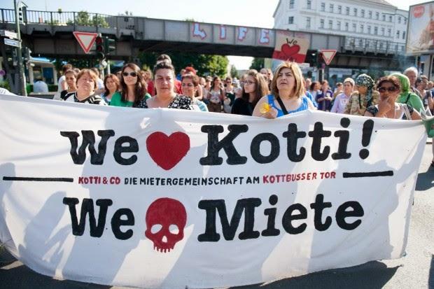 les loyers à Berlin s'envolent - les Berlinois protestent