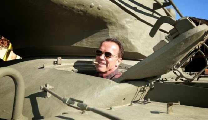 Arnold Schwarzenegger tank crush it randommusings.filminspector.com