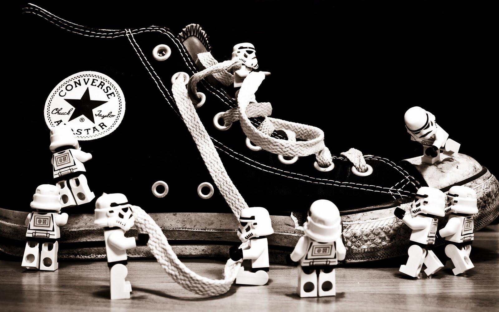 http://4.bp.blogspot.com/-8uXqxOhE2GM/TnJ2bo7vgNI/AAAAAAAADC4/zB1xCWS2DZs/s1600/Converse_All_Star_Lego_Star_Wars_Stormtroopers_HD_Wallpaper_Vvallpaper.Net.jpg