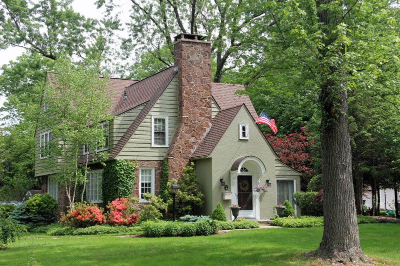 Naples and hartford in season pretty houses for Homes pictures