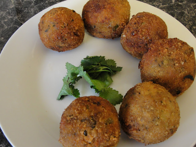 Spinach potato cheese balls aloo palak cheese balls party for Ancient indian cuisine