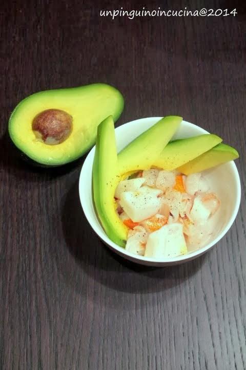 insalata di surimi, avocado e litchies