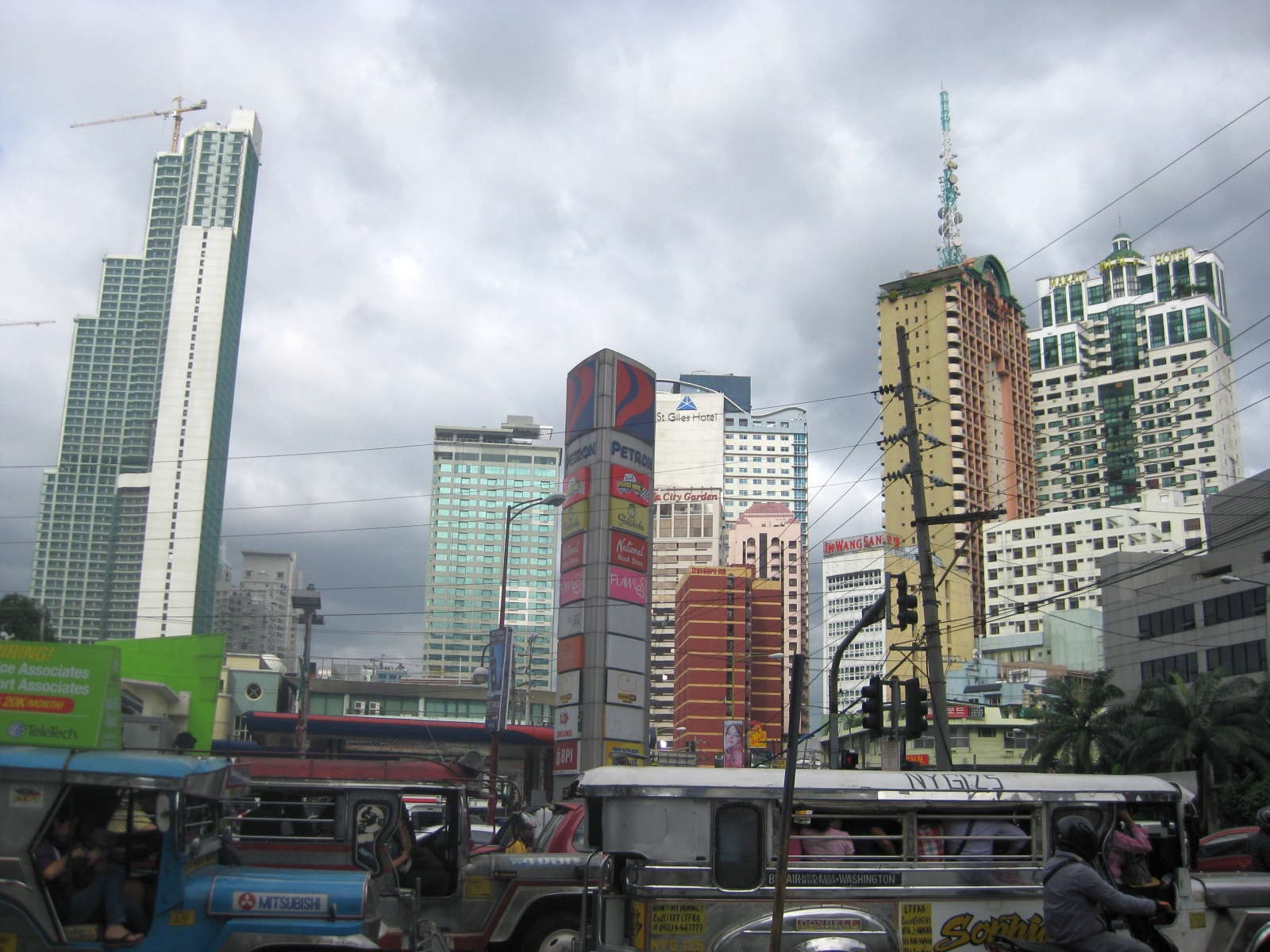 how to get to angeles city from makati manila